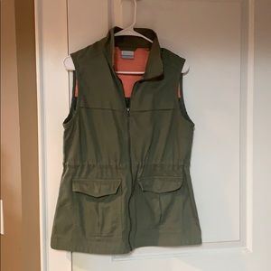 Columbia vest. Army green color.